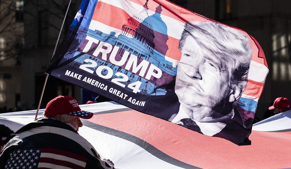 Donald Trump torna alla ribalta